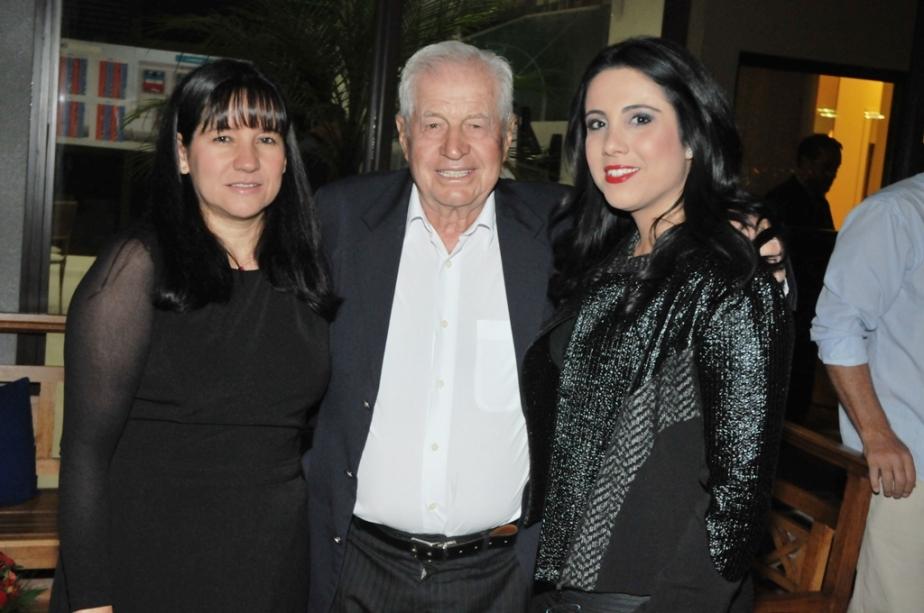 Ester Ribeiro, Fernando Stecca Filho e Camila Stecca Stefan
